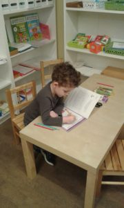 Четырёхлетний Митяйка решает математическую арифметику